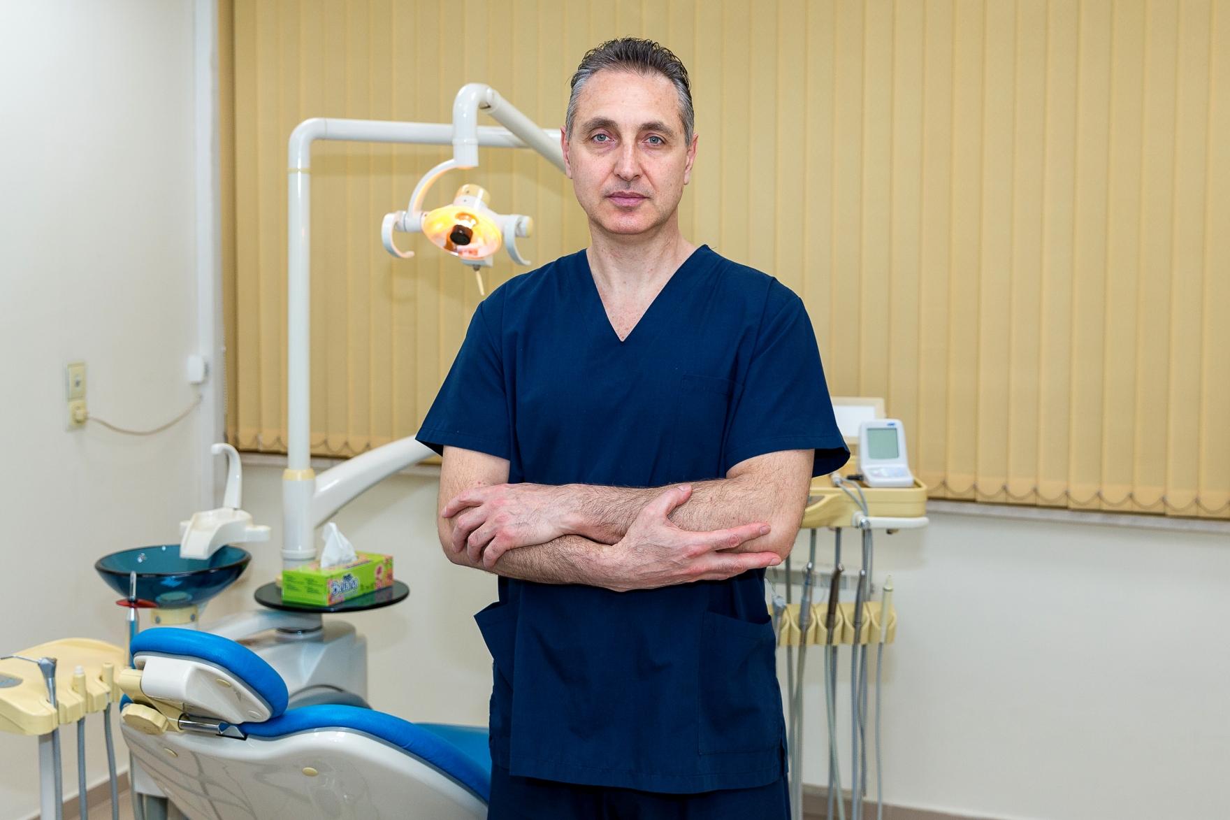 Д-р Росен Машев